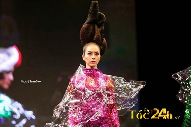 NTM Don Hậu chia sẻ kỹ thuật bới tóc ứng dụng và nghệ thuật tạo hình trên sân khấu 6